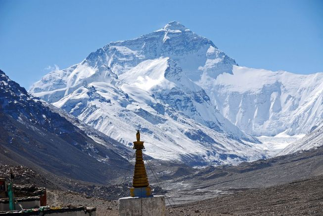 04-Mount-Everest-North-Face-From-Rongbuk-Monastery-Morning