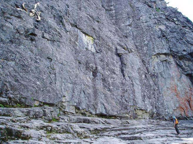 026-rock-wall-enl