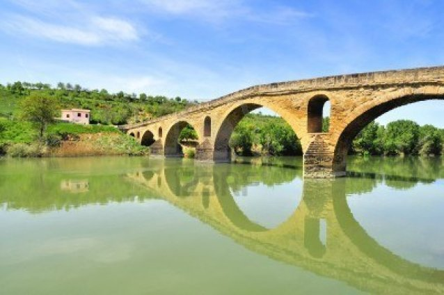 8399311-bridge-of-the-queen-over-the-river-arga--puente-la-reina-gares--navarra-spain-part-of-the-way-of-st-