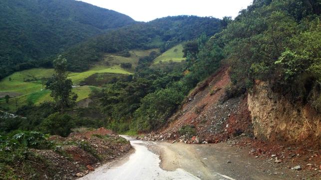 Photo-3_Landslide2