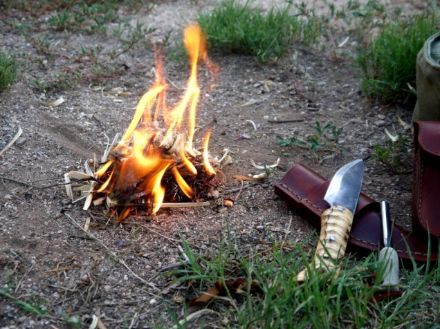 Bushcraft-Survival-Fire-Starting-Techniques (929 x 696)