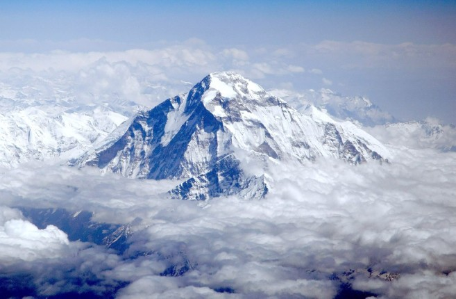 Dhaulagiri_-_view_from_aircraft (980 x 642)