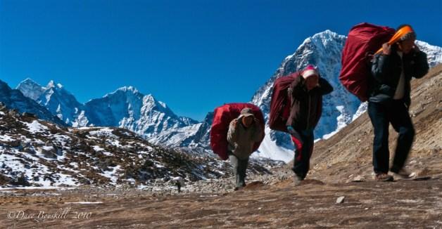 everest-base-camp-sherpa-nepal-10 (1024 x 533)